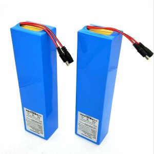 بسته کار باتری لیتیوم اسکوتر برقی کارخانه China 36V 60V 10AH 40AH